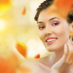 Zabiegi dla skóry, które wykonasz jesienią.
