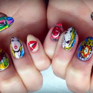 Drukowane wzorki na paznokciach – cyfrowe zdobienie paznokci.